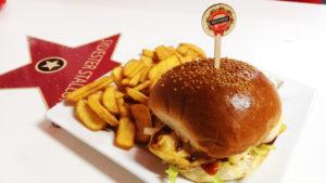 Chicken Burger v Hollywood Burger Trnava