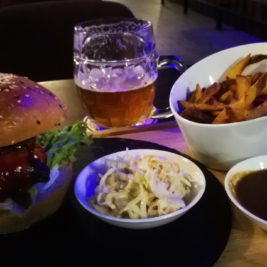Blue Bear Burger & Ležiak
