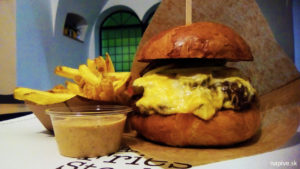Tučný kocúr burger Trnava