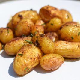 Mladé opečené zemiačky